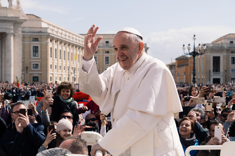 Papa Francesco 'apre' a un Sinodo su fede, politica e democrazia